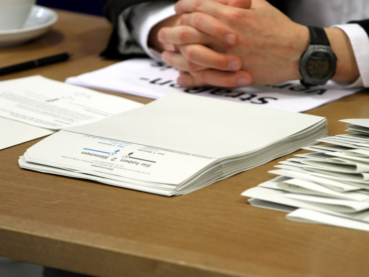 Bundeswahlleiter lässt Impfungen für Wahlhelfer prüfen